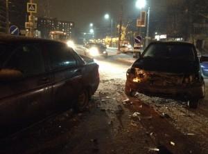 Островки на Кирова спасают смолян-пешеходов