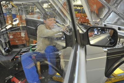 Крупнейший российский автодилер отказался продавать Lada