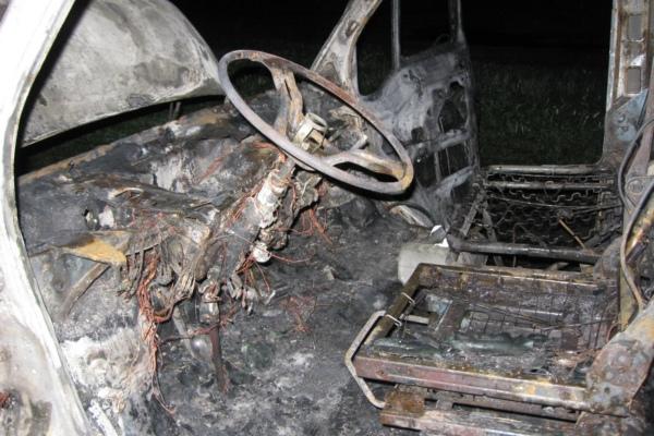 Под Смоленском сгорели две машины