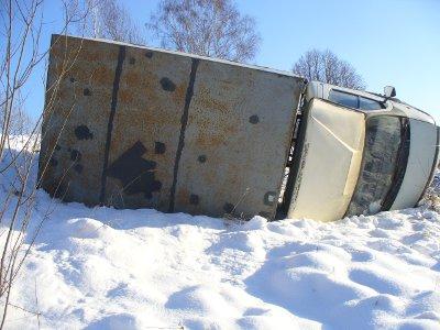 В Смоленской области перевернулась грузовая «Газель»