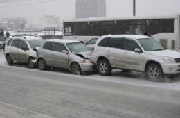 ГИБДД предупреждает водителей о гололеде на смоленских дорогах