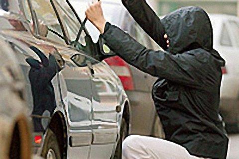 В новогоднюю ночь смоленские полицейские задержали 4 автоугонщиков