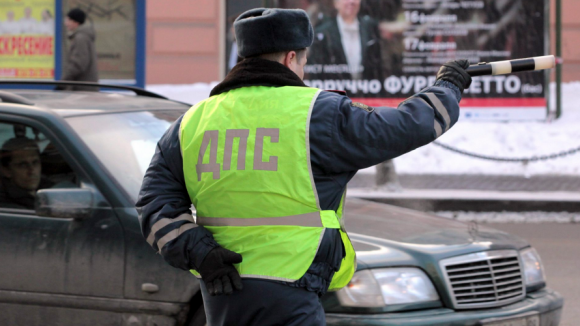 В Смоленской области спецрота ГИБДД проводит «сплошные» проверки водителей