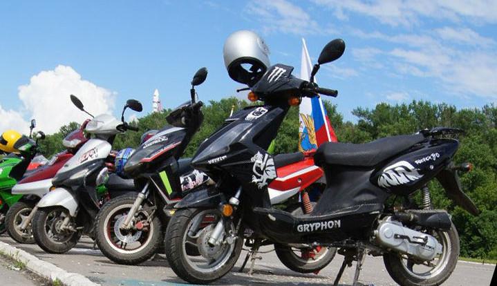 Смоленские скутеристы вновь начали попадать в ДТП
