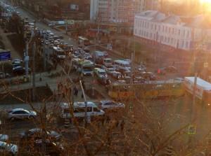 В час пик в Смоленске образовалась огромная пробка