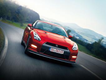 До России добрался обновленный Nissan GT-R