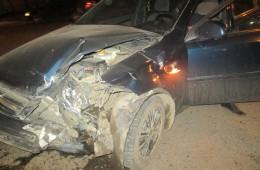 В Смоленске на светофоре столкнулись два автомобиля.