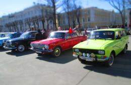 Через Смоленск проехали ретро-автомобили