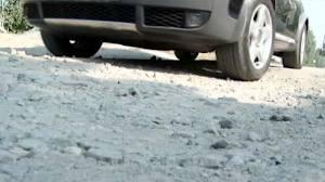 Смоленским автолюбителям пообещали залатать ямы