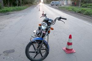 Несовершеннолетний водитель мопеда пострадал в аварии
