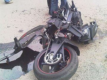 Автоледи на дорогой иномарке сбила 17-летнего парня.