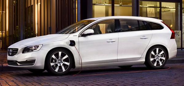 Гибридный Volvo V60 адаптировали для российской зимы