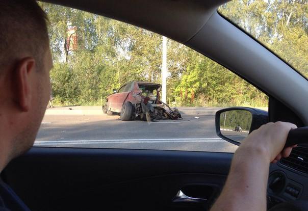 Авария в Смоленске: машину разорвало на куски.