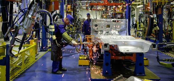 Завод General Motors в Петербурге приостанавливает работу