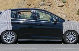 Ford тестирует обновленный минивэн C-Max
