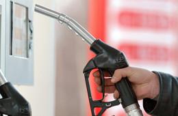 Цены на бензин выросли на 5,9% за месяц
