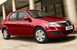 Renault вернула в продажу старый Logan с «автоматом»