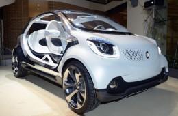 Новый автомобиль Smart показал себя на выставке в Париже