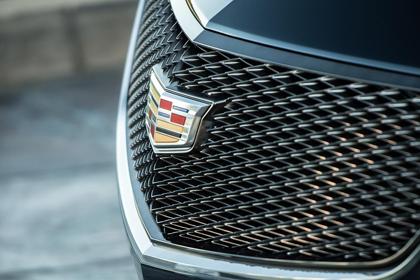 Названа дата премьеры новой флагманской модели Cadillac