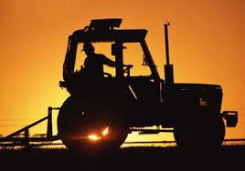 Смолянин угнал трактор, чтобы на нем заработать.