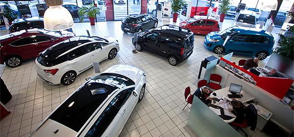 В России цены на автомобили предложили устанавливать в у.е.