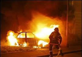 В центре Смоленска подожгли иномарку.