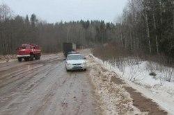 В Смоленской области иномарка столкнулась с фурой