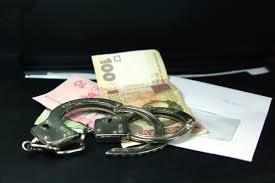 Смолянин пытался «выкупить» свой автомобиль, дав взятку полицейскому.