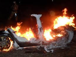 В Смоленской области сгорела дорогая иномарка.