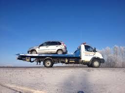 Смоленские автоворы угоняют авто при помощи эвакуатора.