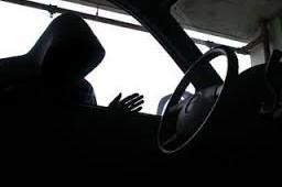 У жителя столицы в Смоленской области угнали микроавтобус.