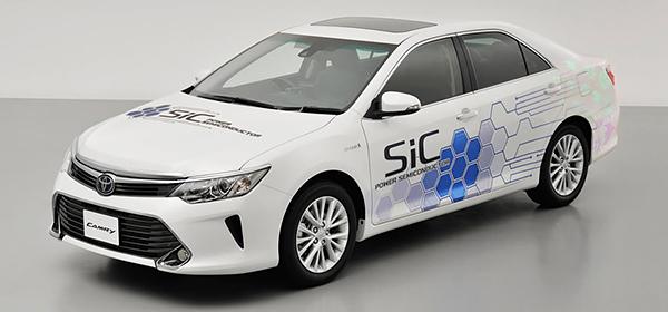 Toyota представила гибридный концепт на базе Camry