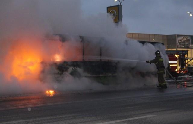 В Смоленской области загорелись два пассажирских автобуса.