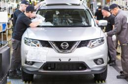 Российский завод Nissan приостановил работу