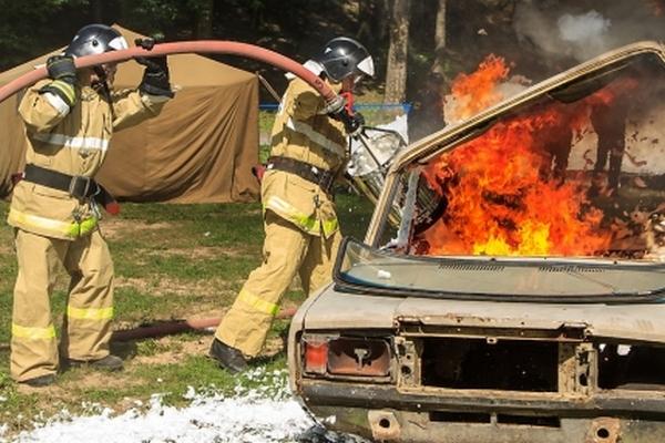 Под Смоленском на ходу загорелся автомобиль