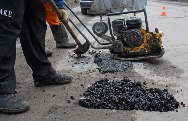 В Смоленске начался ремонт Пятницкого путепровода.