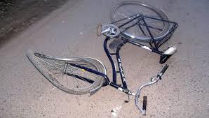 На смоленской трассе насмерть сбили велосипедистку.