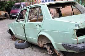 Смоленский автослесарь сдал машину клиента в металлолом.
