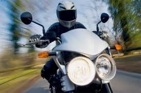 14-летний подросток угнал у смолянина мотоцикл.