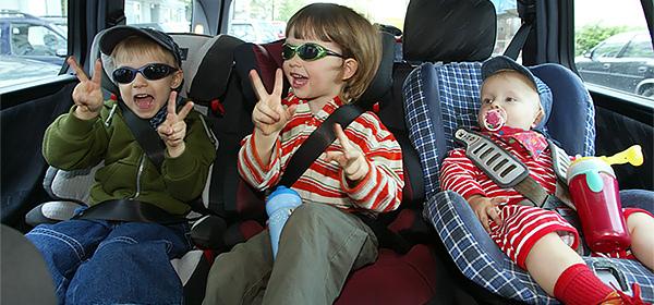 Главу МВД попросили изменить правила перевозки детей в автомобиле