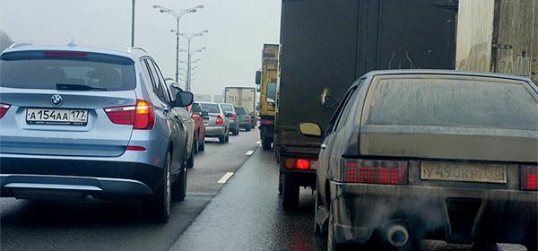 Автомобилисты смогут жаловаться на плохие дорогие через интернет