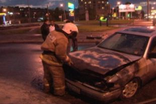 Ночью в Смоленске сгорел еще один автомобиль