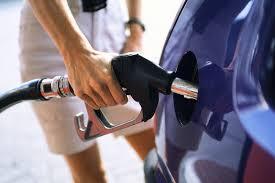 «Роснефть» поднимает цены на топливо еженедельно.