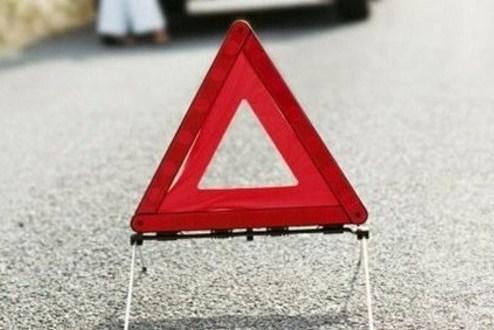 Мотоциклист протаранил металлическое ограждение дороги в Смоленске.