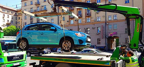 В России изменились правила эвакуации автомобилей