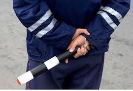 Житель столицы задержан на смоленской трассе за попытку дать взятку инспектору ГИБДД.