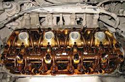 Двигатель ест масло: что делать?