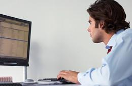 Полисы ОСАГО начали продавать через интернет