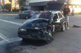 В Смоленске на проспекте Гагарина произошло серьезное ДТП.