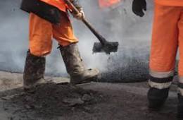 «Смоленскавтодор» активно занимается ремонтом ям на смоленских дорогах.